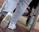 disabile su sedia a ruote